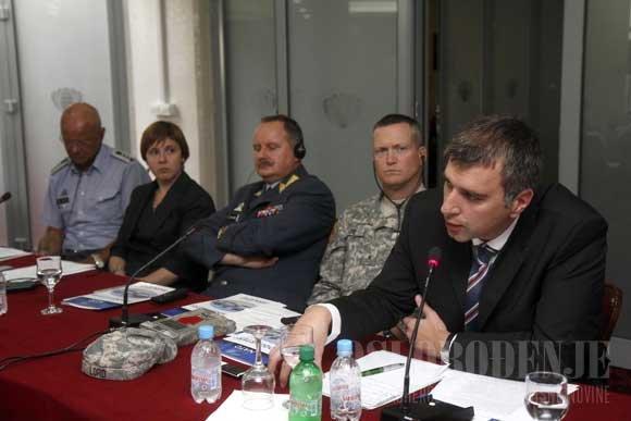 nato-forum-za-bh-medije-bih-napredovala-na-planu-reforme-odbrane_4